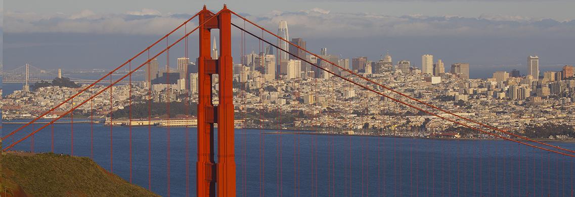 Golden Gate Bridge / San Francisco Skyline